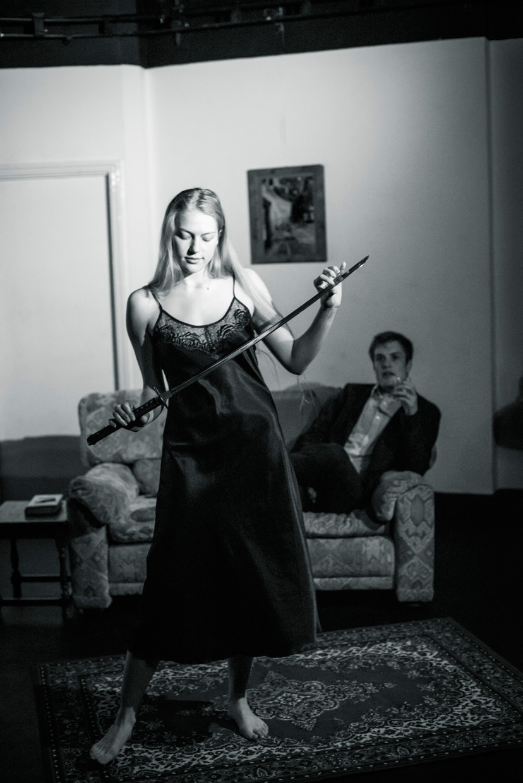 hjorthmedh-a-severed-head-dress-rehearsal-20