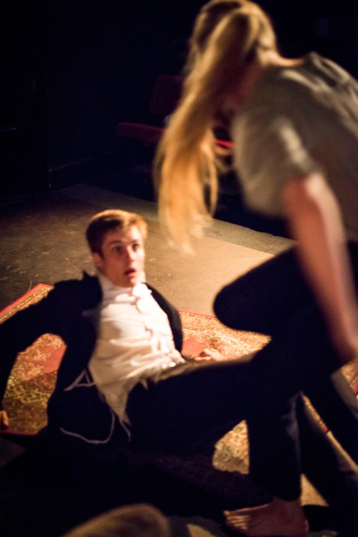 hjorthmedh-a-severed-head-dress-rehearsal-26
