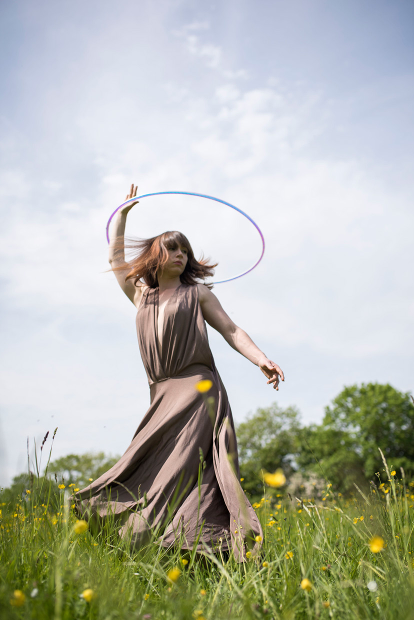 hjorthmedh-playing-with-hoops-5