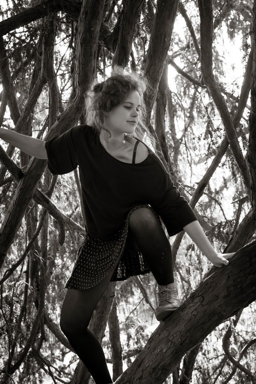 hjorthmedh-a-midsummer-nightmare-11-bethan-davidson