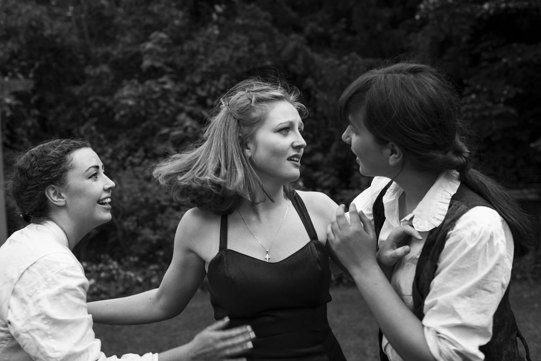 hjorthmedh-a-midsummer-nights-dream-photoshoot-selwyn-college-14