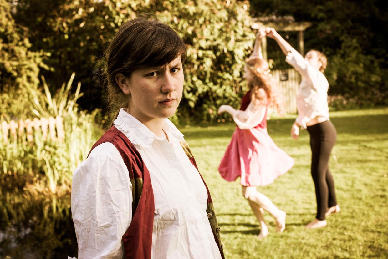 hjorthmedh-a-midsummer-nights-dream-photoshoot-selwyn-college-18