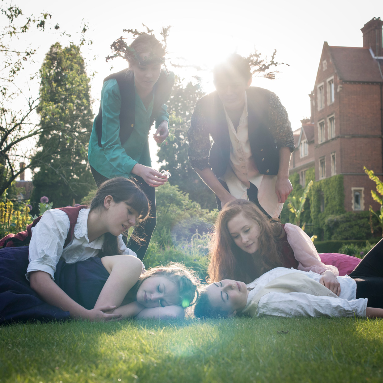 hjorthmedh-a-midsummer-nights-dream-photoshoot-selwyn-college-8