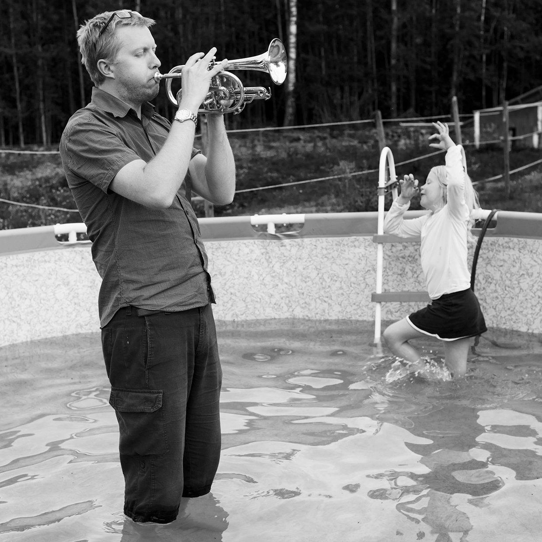 hjorthmedh-a-swedish-fairy-tale-7-trumpet
