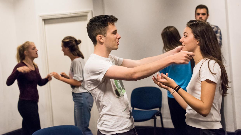 hjorthmedh-comedy-of-errors-first-rehearsal-46