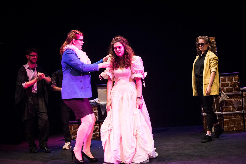 hjorthmedh-taming-of-the-shrew-dress-rehearsal-39