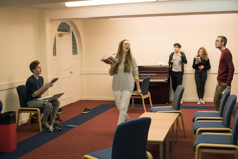 hjorthmedh-tribes-rehearsal-14