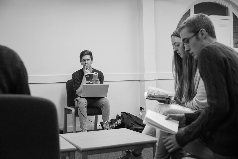hjorthmedh-tribes-rehearsal-23
