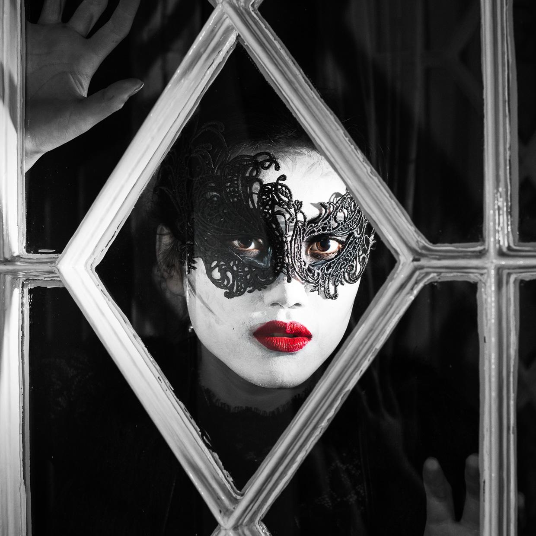 hjorthmedh-varsity-halloween-fashion-shoot-3