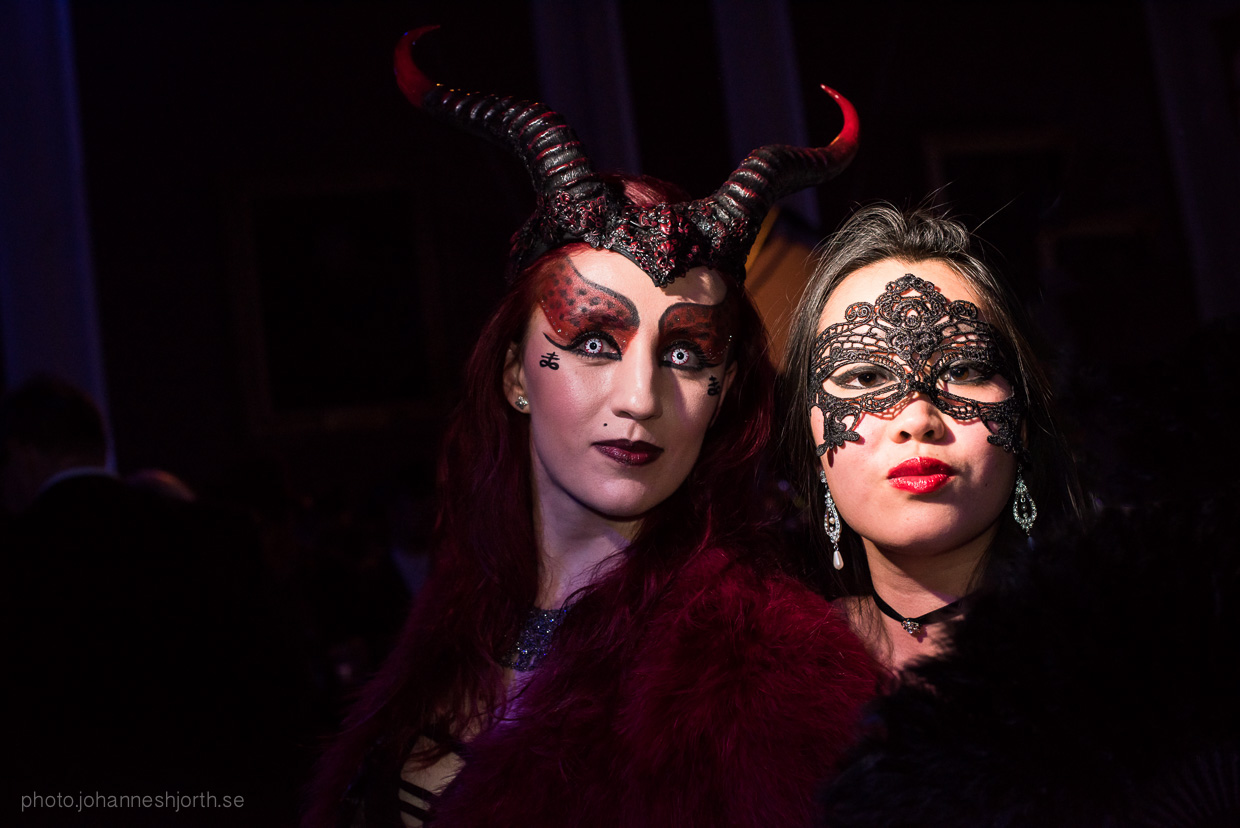 hjorthmedh-neon-moon-cambridge-halloween-ball-2015-126