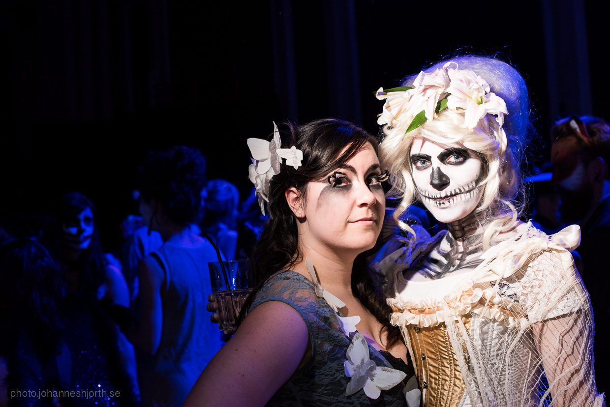 hjorthmedh-neon-moon-cambridge-halloween-ball-2015-128