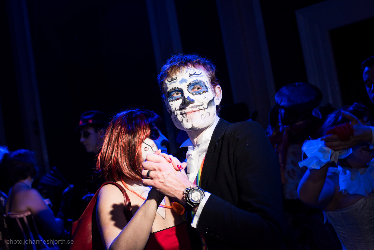 hjorthmedh-neon-moon-cambridge-halloween-ball-2015-131