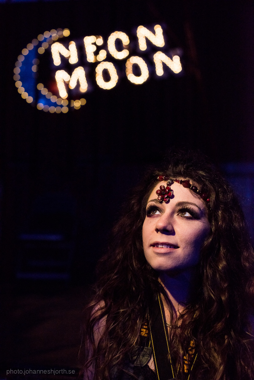 hjorthmedh-neon-moon-cambridge-halloween-ball-2015-146
