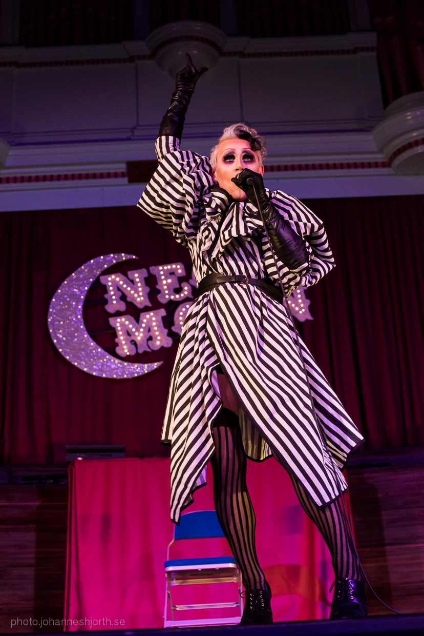 hjorthmedh-neon-moon-cambridge-halloween-ball-2015-163