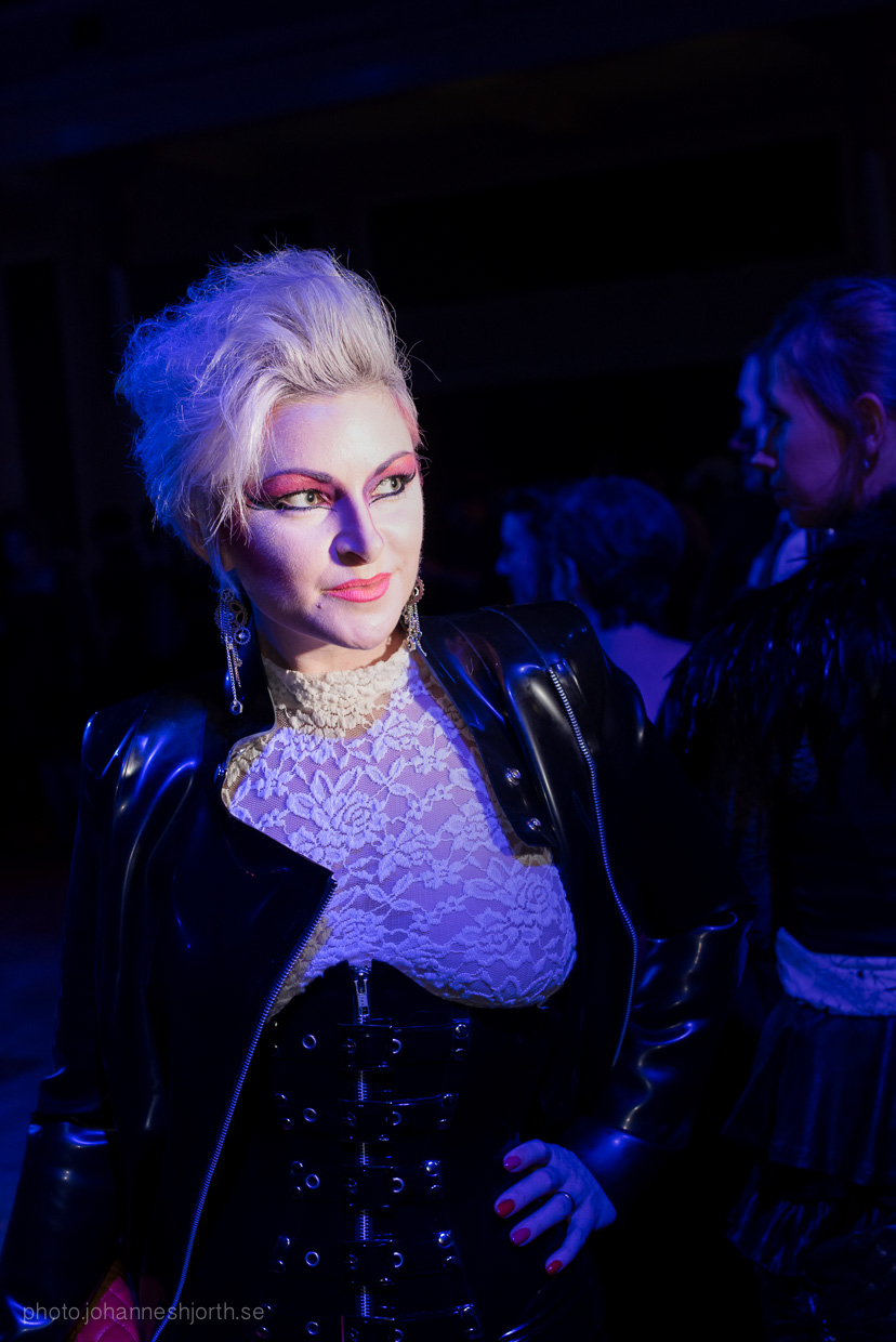 hjorthmedh-neon-moon-cambridge-halloween-ball-2015-22