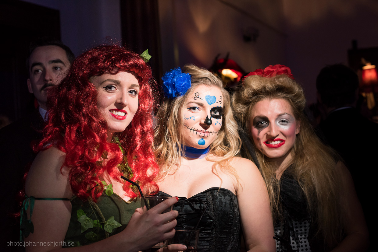 hjorthmedh-neon-moon-cambridge-halloween-ball-2015-51