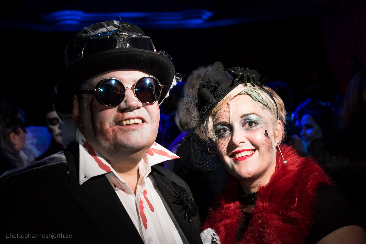 hjorthmedh-neon-moon-cambridge-halloween-ball-2015-64