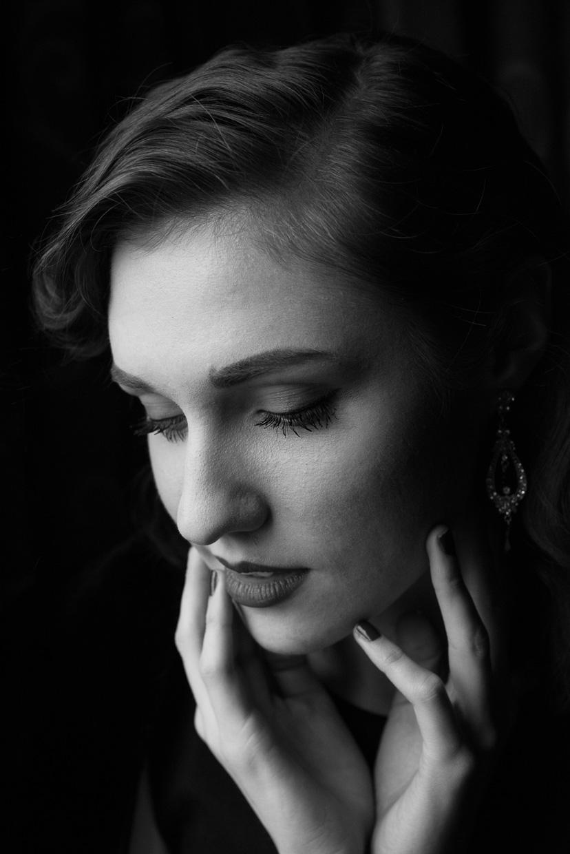 Black and white portrait of Hannah Grace Taylor