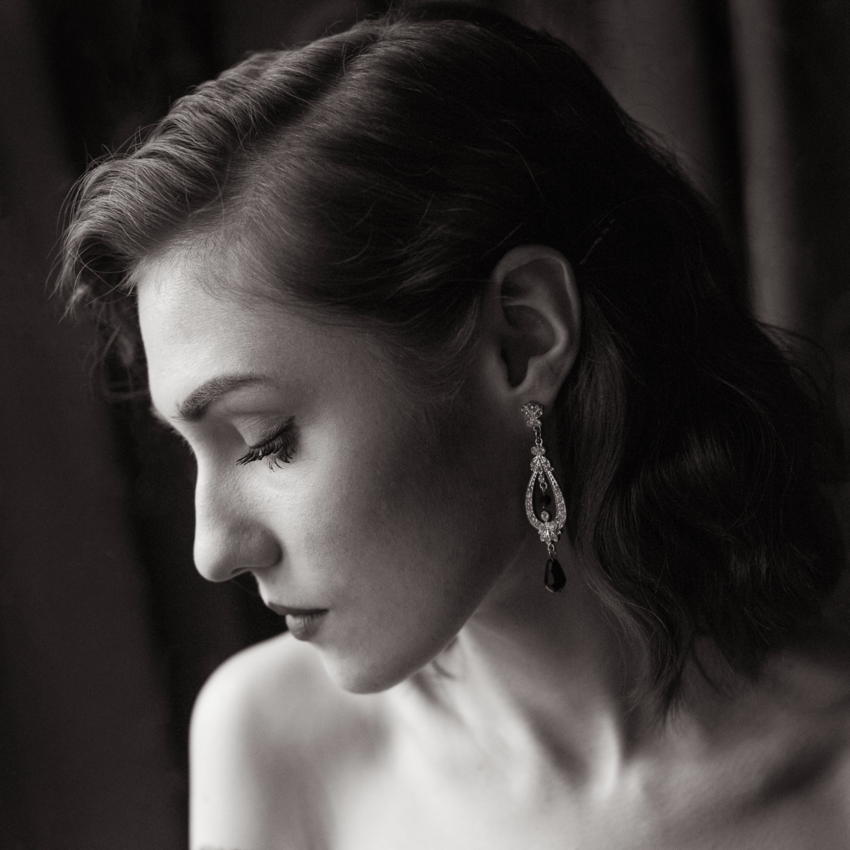 Portrait of Hannah Grace Taylor and her elegant earrings