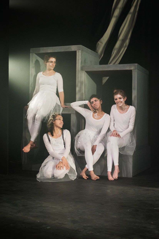 hjorthmedh-alice-dress-rehearsal-16