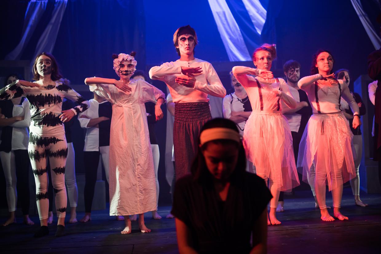 hjorthmedh-alice-dress-rehearsal-29