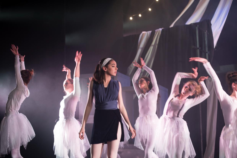 hjorthmedh-alice-dress-rehearsal-32
