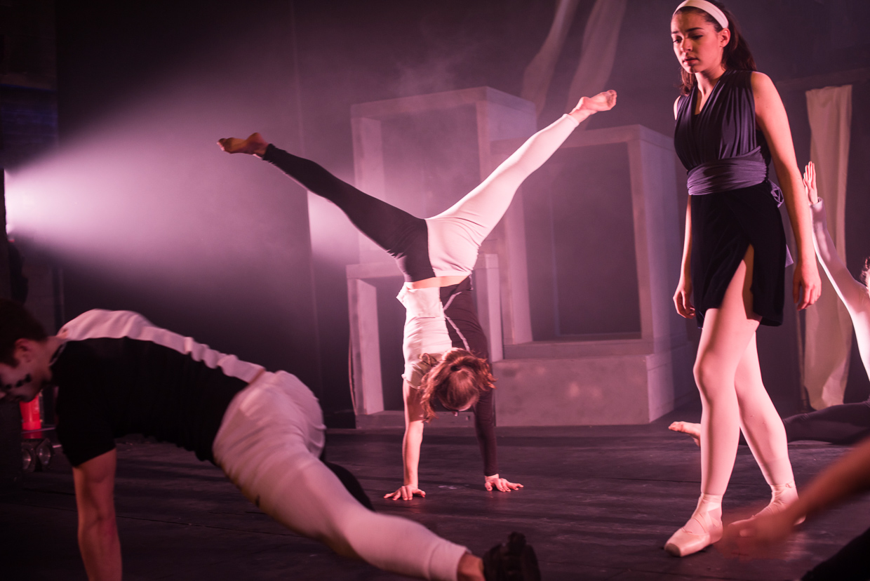hjorthmedh-alice-dress-rehearsal-35
