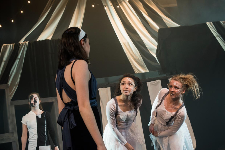 hjorthmedh-alice-dress-rehearsal-42