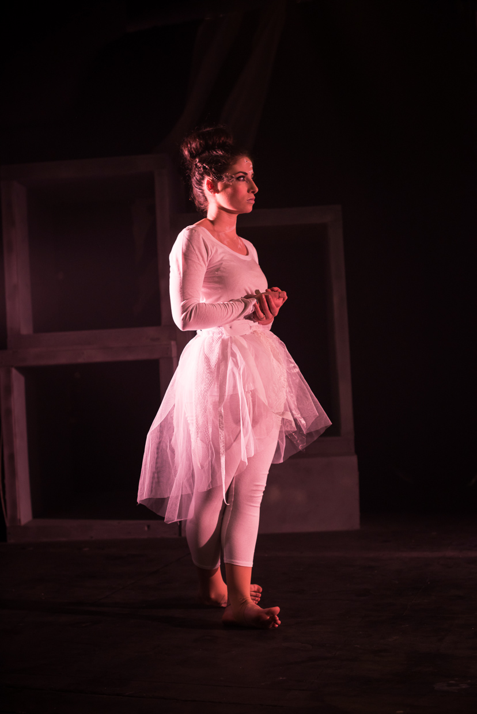 hjorthmedh-alice-dress-rehearsal-6