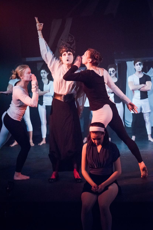 hjorthmedh-alice-dress-rehearsal-65