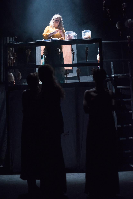 hjorthmedh-trojan-barbie-120
