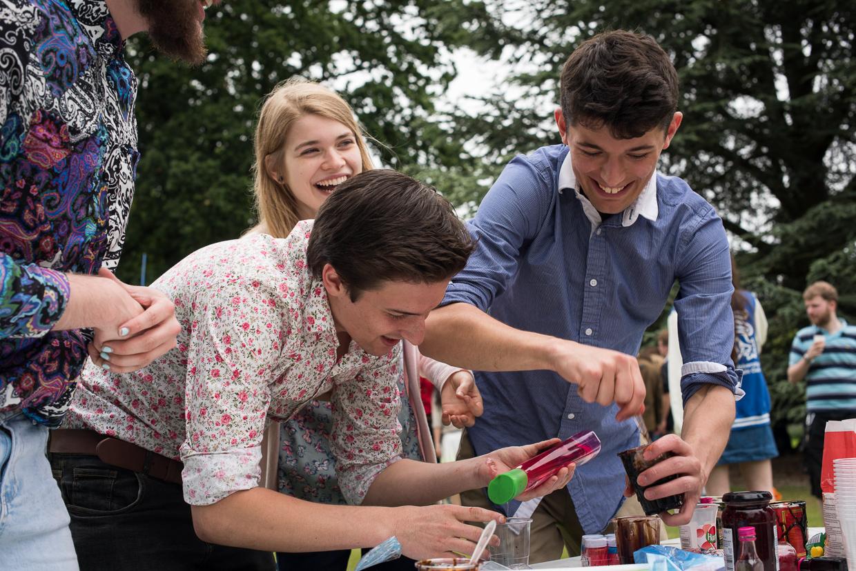 hjorthmedh-adc-garden-party-2016-25