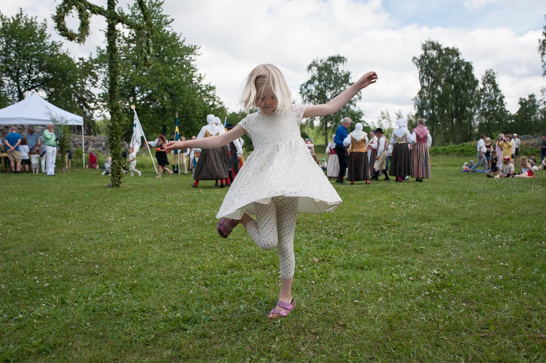 hjorthmedh-midsummer-in-smaland-13