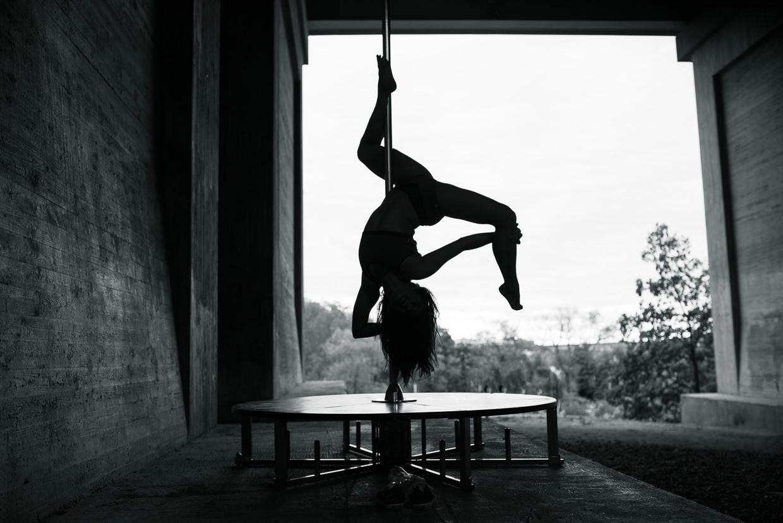Silhouette photo of Alexandra Mellin doing a scorpio