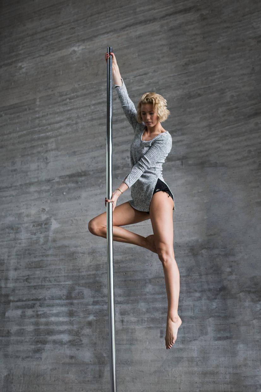 Lenita Larsson on a pole