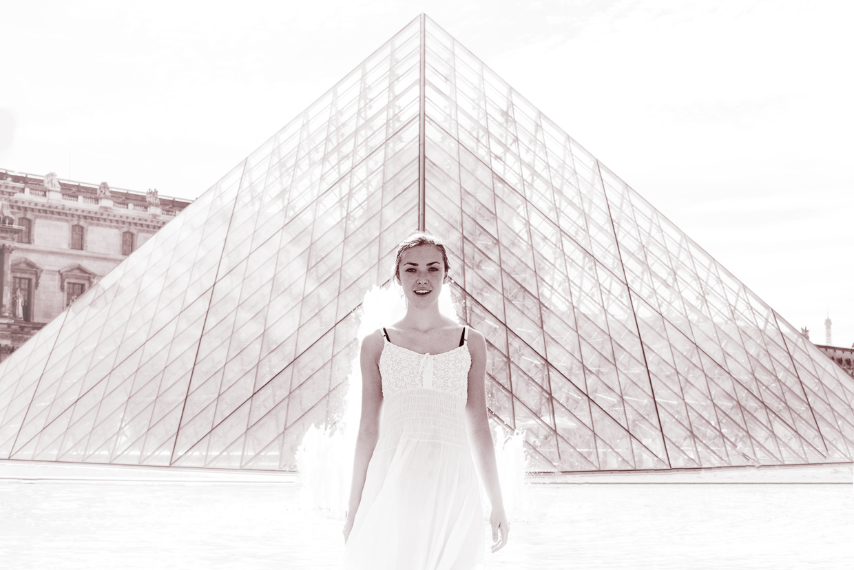 Annie Magee looking like Daenerys at Louvre