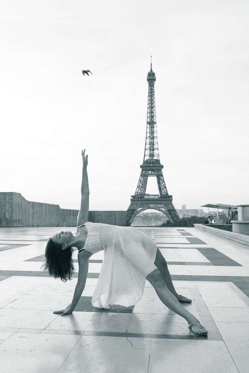 Annie Magee at Palais de Chaillot, with a lucky bird in the sky